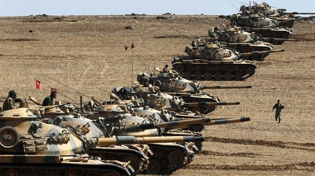 Turkey Tanks on Iraqi Border